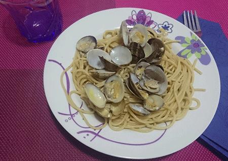 Spaghetti alle vongole in bianco